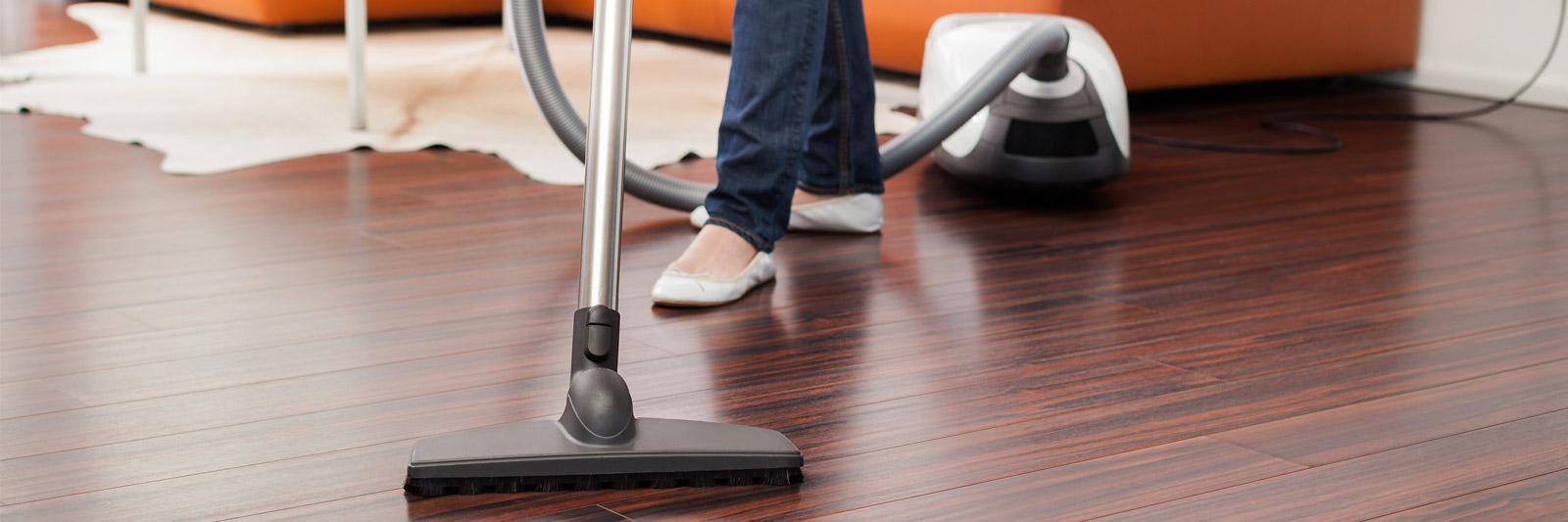 Wood floor cleaning services hardwood floor cleaning for Floor cleaning services